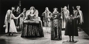 700px-Hamlet-Publiekstheater2-Kees-de-Graaff